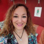la photo de profil de Larentia M. - Créatrice bijoux, accessoires mode et objets décoratifs et Photographe de la nature.